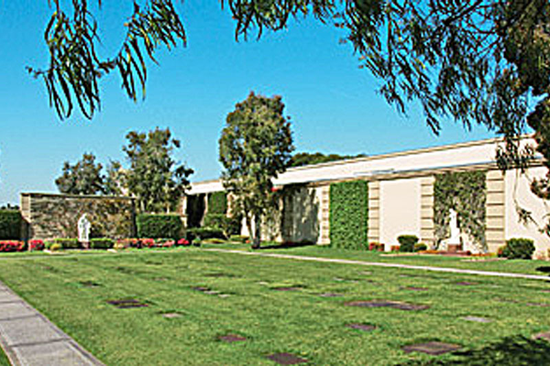 Forest Lawn M.P., Cypress - Garden of Memory - Bayer Cemetery Brokers